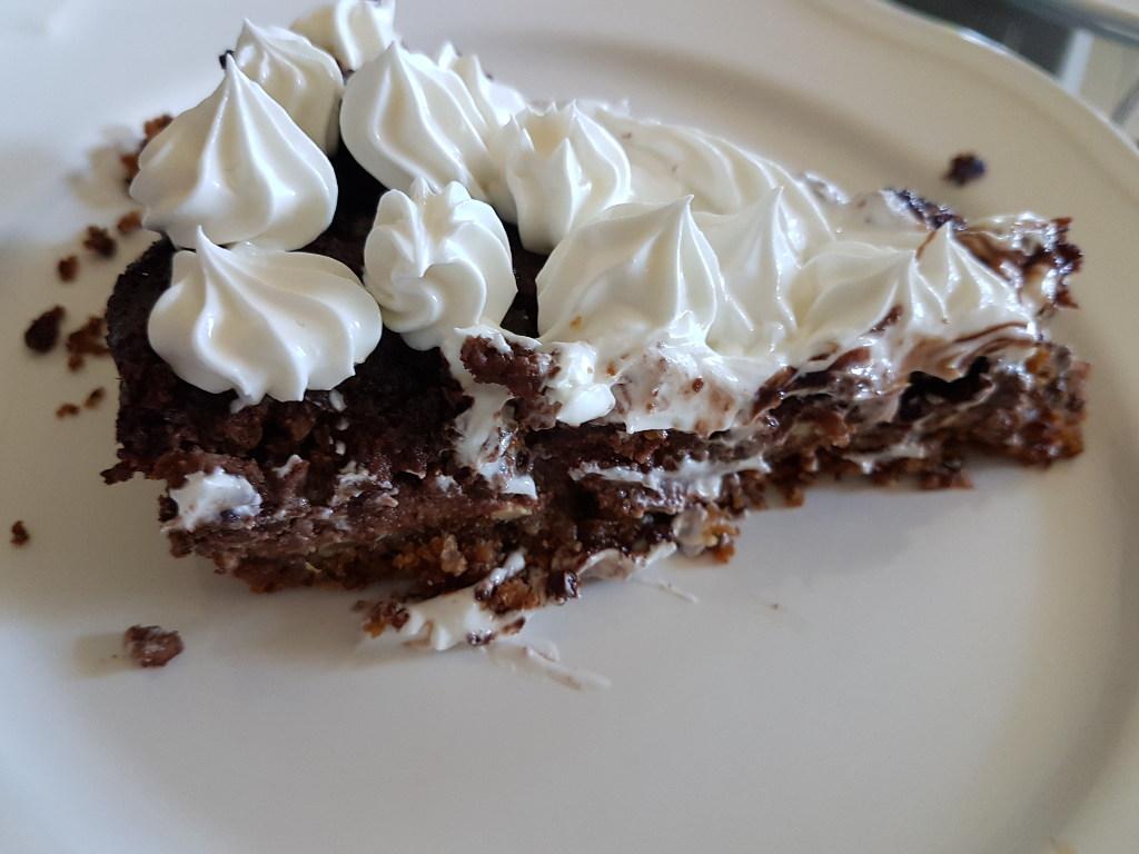 torta-vegan-nocciole-panna